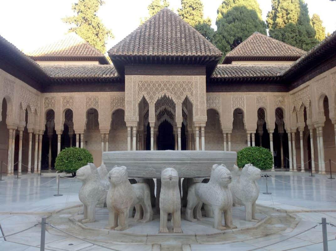 patio de los leones. alhambra de granada spain oscarmu90