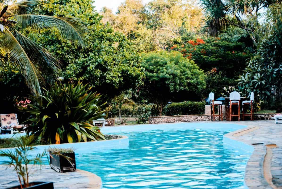 swimming pool 1692795